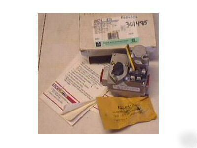 White Rodgers 36c74 413 Furnace Gas Valve 36c74413